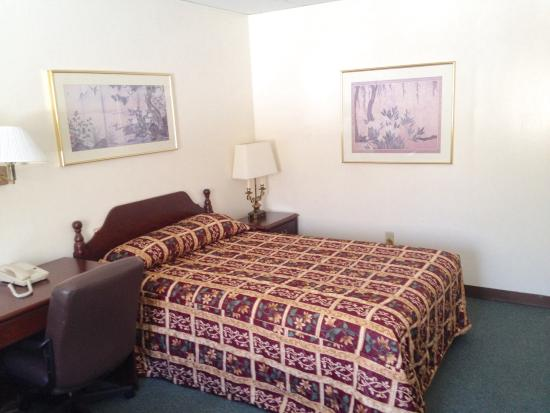 Nyack Motor Lodge: Clean room