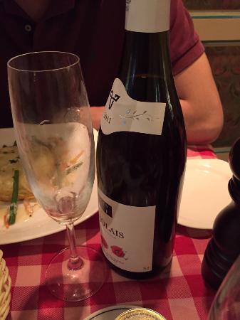 Le Beaujolais: Beaujolais bottle