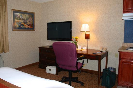 Hawthorn Suites by Wyndham Cincinnati : room