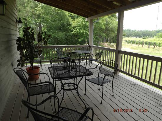 Good Luck Cellars : Just one of the beautiful places on the vast porches.