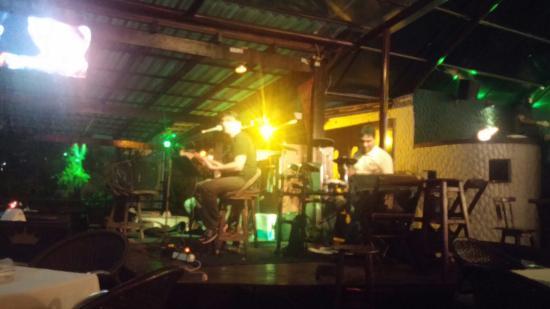 Decky Bar : Música en vivo