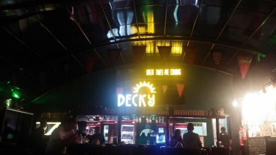 Decky bar barrae