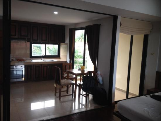 Chaweng Lakeview Condotel: Coin cuisine