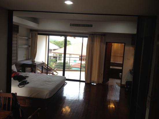 Chaweng Lakeview Condotel: Chambre