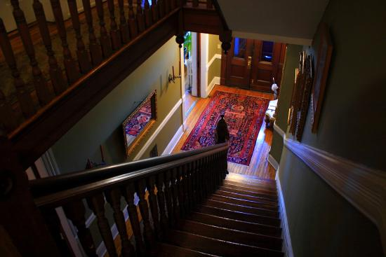 Chester Arthur House B & B at Logan Circle: Stairway