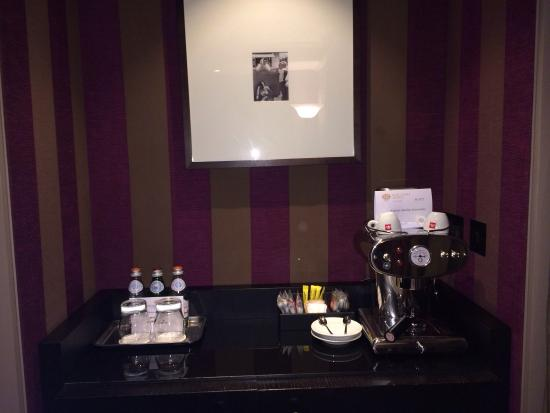 Baglioni Hotel London: illy espresso coffee machine and complimentary water:)