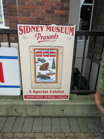 Sidney Museum & Archives: Outside Signage
