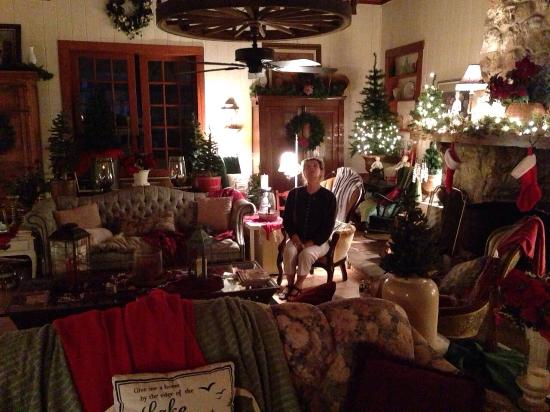 The Lake House: Christmas decorations