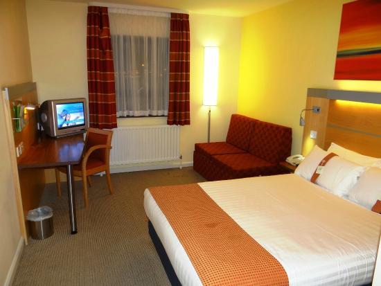 Holiday Inn Express Antrim M2, JCT.1: HIX Antrim - room #236