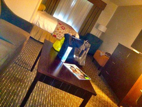 Best Western Plus Dayton Hotel & Suites: King Suite lots of room for work and play