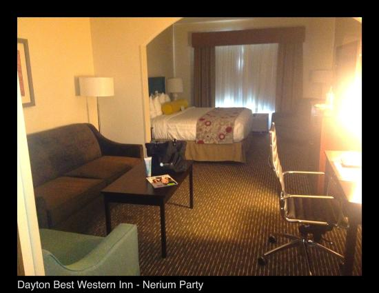 Best Western Plus Dayton Hotel & Suites: Overall room, also frig, coffee maker large bathroom tons of room great decor