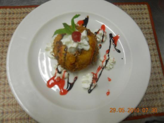 Baan Thai Restaurant: Deep fry Ice cream