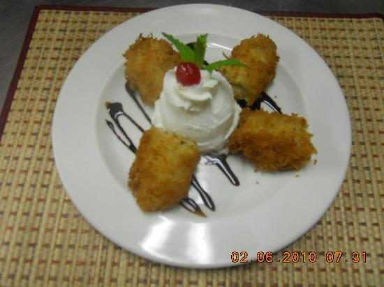 Baan Thai Restaurant: Banana and Ice cream