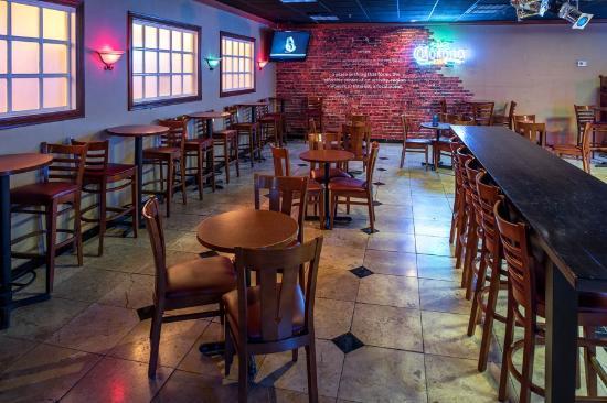 Ramada Plaza Chico: Bar/Lounge