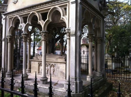 Moliere grave pere lachaise cemetery paris picture of - Cimetiere pere la chaise ...