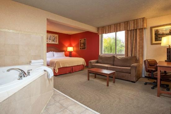 Ramada Plaza Chico: Executive King Jacuzzi Suite