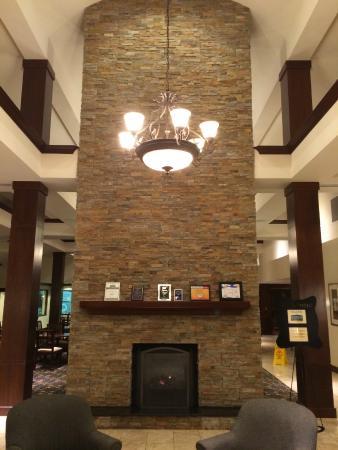 Staybridge Suites Seattle North-Everett : Entry way