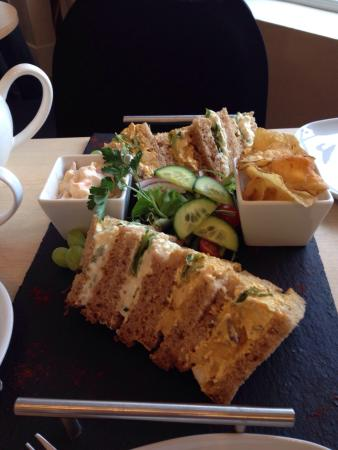 Rowell's Rolls: Groupon afternoon tea