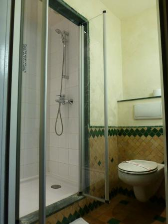 IBIS MOUSSAFIR OUARZAZATE : Bathroom