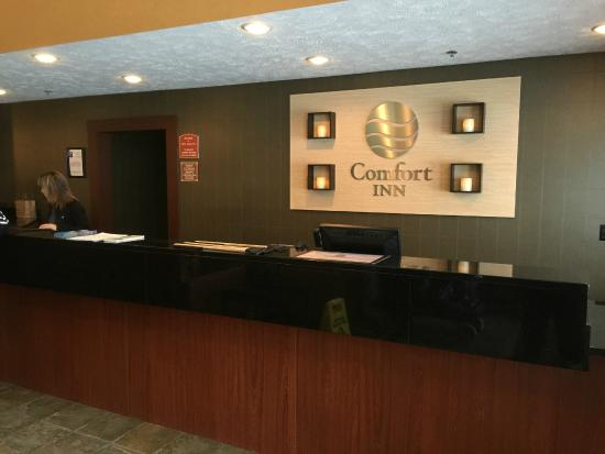 Comfort Inn Traverse City: Comfort Inn - Front Desk