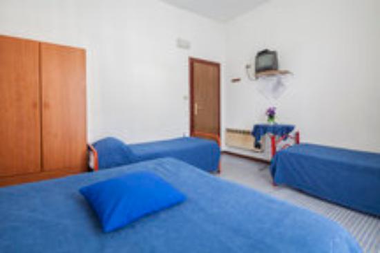 Hotel Europa: camera da letto