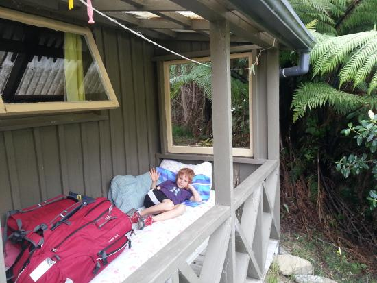 Resolution Bay Cabins: Outside :)