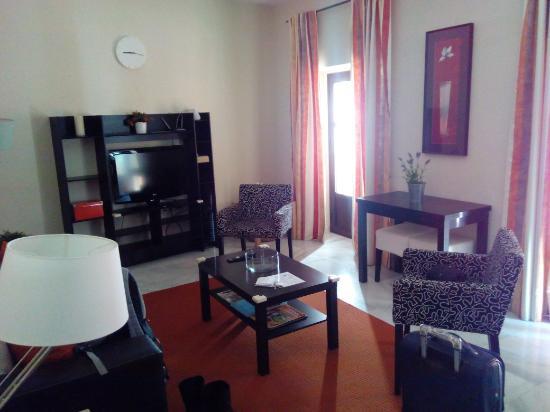 Apartamentos Altamira Sevilla: Salon