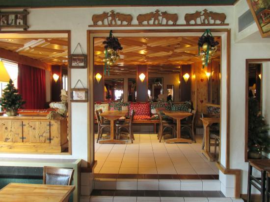 Hotel Les Melezes: les salons