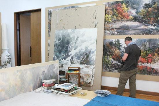 artists studio - painting - picture of mansudae art studio gallery  pyongyang