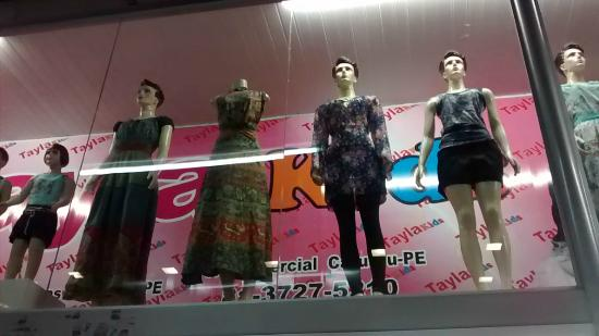 Caruaru, PE: Dezenas de lojas.