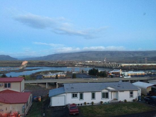 Celilo Inn: View from the room