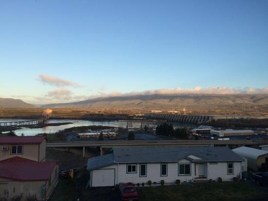 Celilo Inn: Morning view