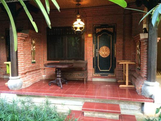 Puri Garden Hotel & Restaurant: Room Outer