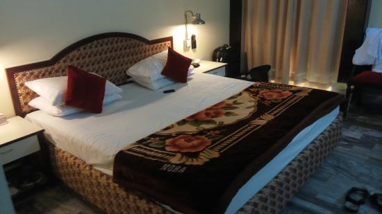 dating rooms in karachi