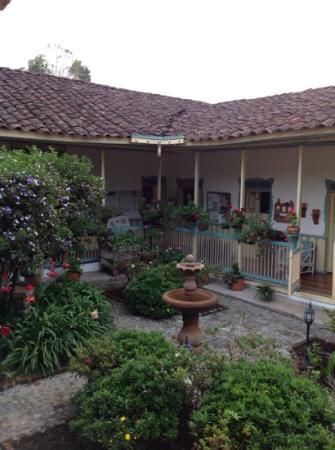 La Posada del Cafe: central garden