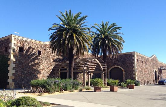 Black Stallion Winery: The rear of the tasting room approaching from the parking lot.