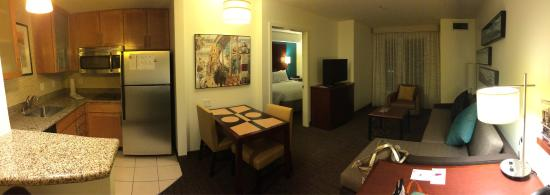Residence Inn San Diego Oceanside : Panoramic view of our living room