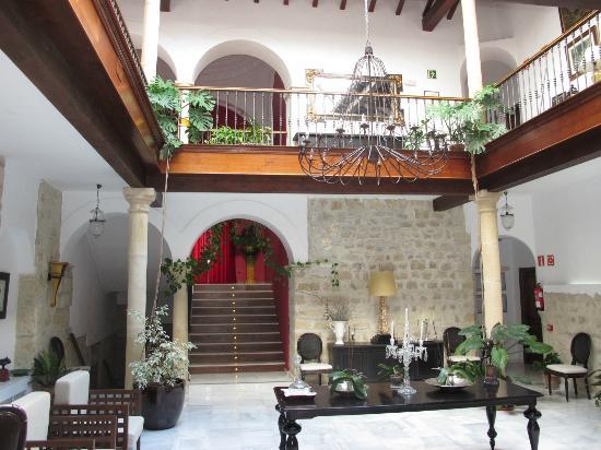 Hotel las Casas del Consul: en el patio del hotel