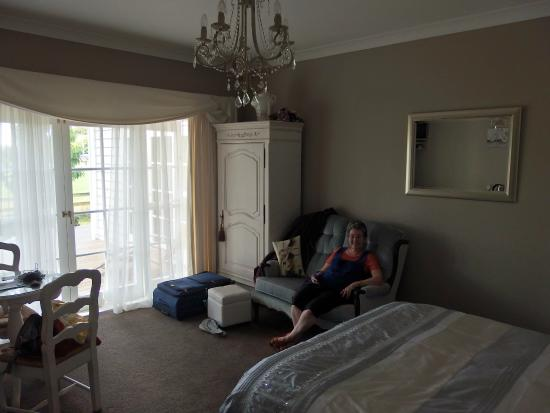 Blairgowrie House: Tulip room sofa and French doors to deck