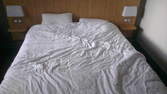 B&B Hotel La Rochelle Centre : lit 2 personnes