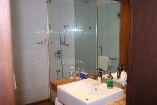 Marasa Sarovar Portico, Rajkot: washroom1