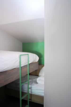 slaapkamer kinderen - Picture of B&B Het Schalienhof, Veurne ...