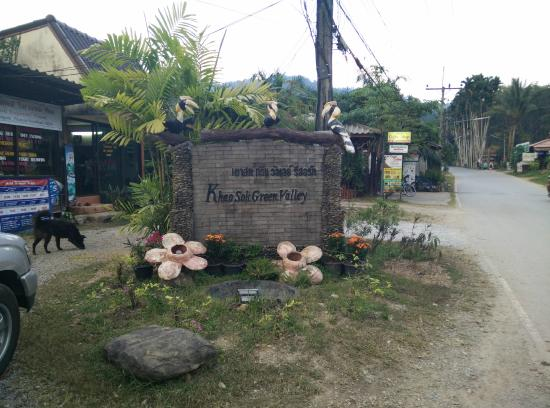 Khao Sok Green Valley Resort: Company's place