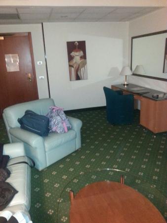 Oly Hotel : salottino della suite