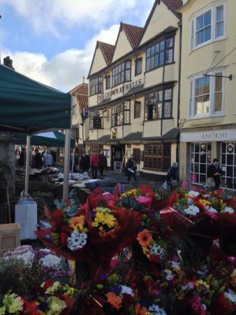 The Crown at Wells: Hotel on market day