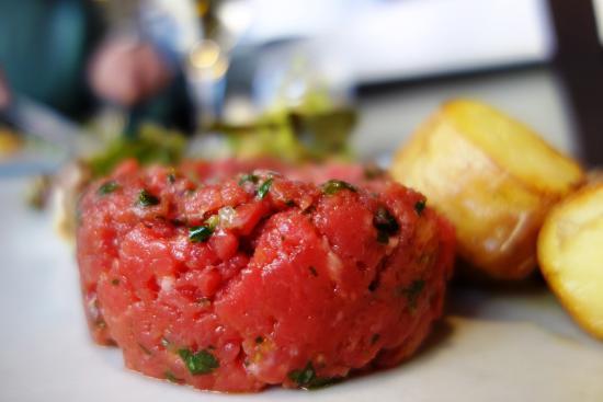 Bart-A-Vin: Steak tartare