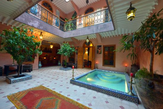 Riad zayane atlas updated 2018 prices guest house for Hotel avec piscine interieur