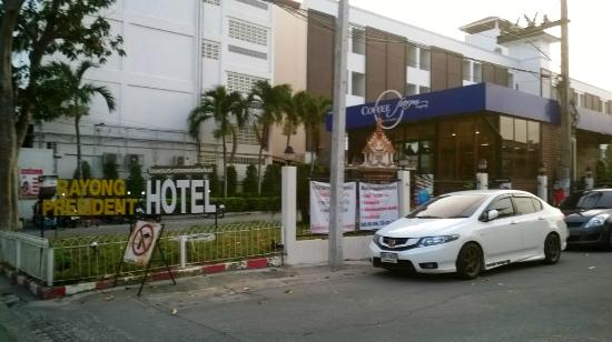 Rayong President Hotel: Outside the Hotel