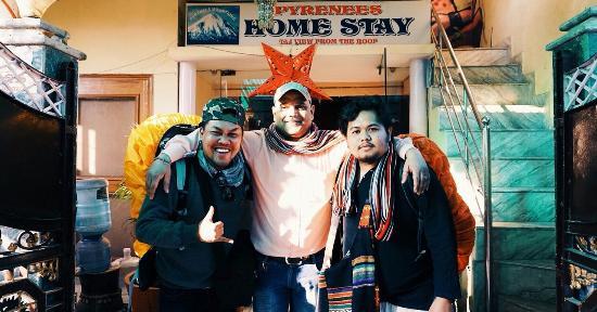 Pyrenees Homestay: Me & fairuz with Kamal, the owner of Pyrenees.  Very helpful man.