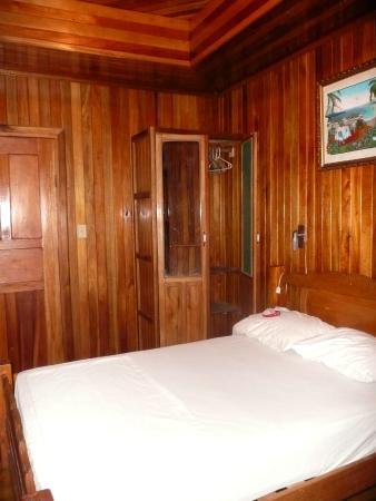 Hostal Bastimentos : camera da letto